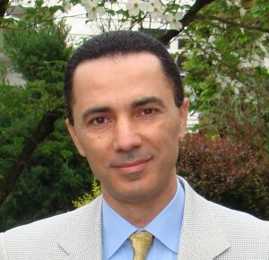 photo of Professor Waïl Hassan